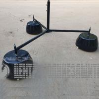 Тренога для молниеприемной мачты с бетонными утяжелителями